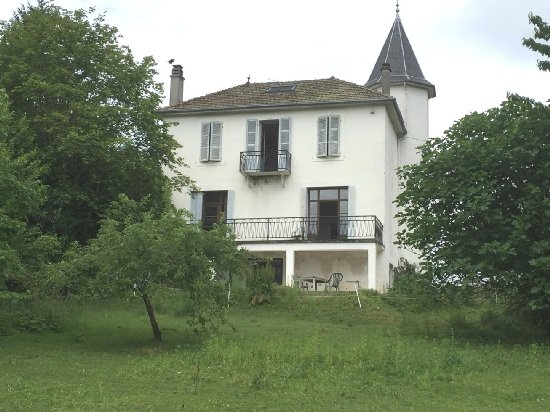 vente maison BELLEY 8 pieces, 230m